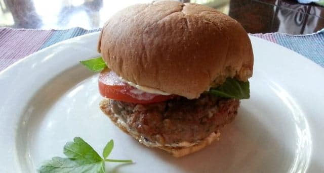 Feta Lamb Burgers & Mint Aioli