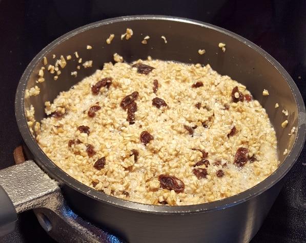 Steel Cut Oatmeal & Raisins